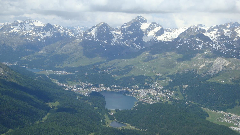 St. Moritz et le Julier au centre