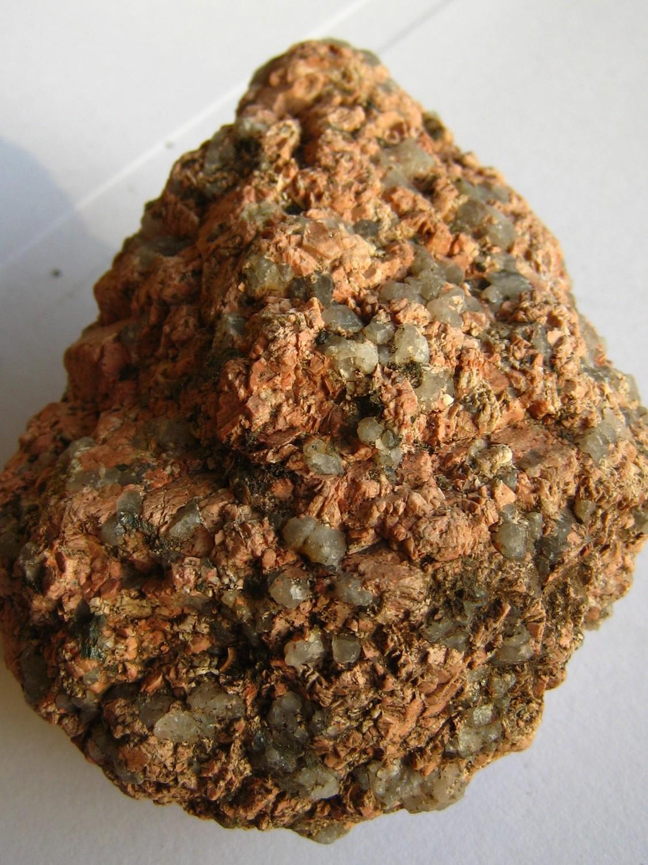 Granite rose. Roche magmatique plutonique.