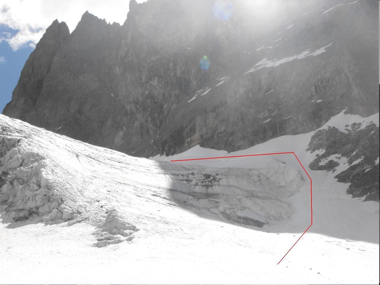 Glacier de la Grande Ruine ... Bien longer la base de la Tour de Choisy