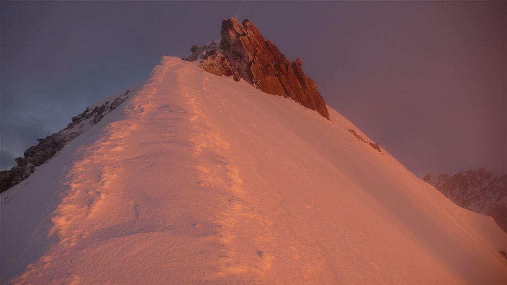 La Zumsteinspitze au lever du jour. Inoubliable