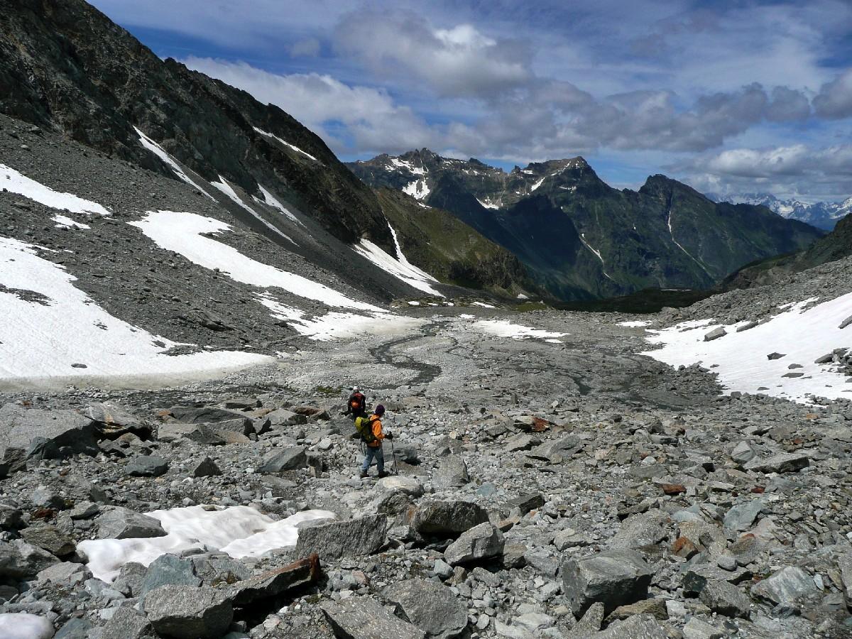 Sous le glacier du Grand Neyron, descente de l'Herbetet
