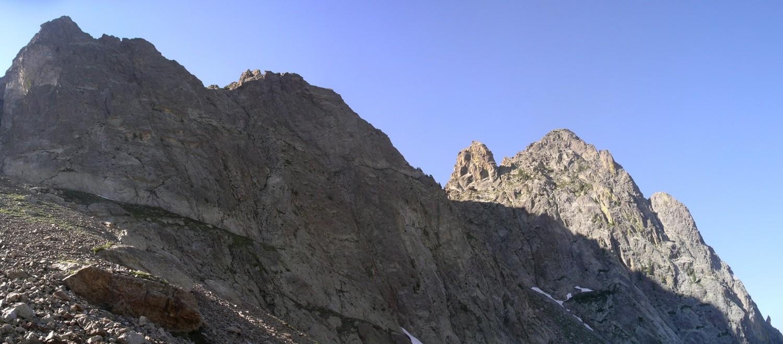 Le Cayre Barel a gauche et Cayre de la Madonne a droite