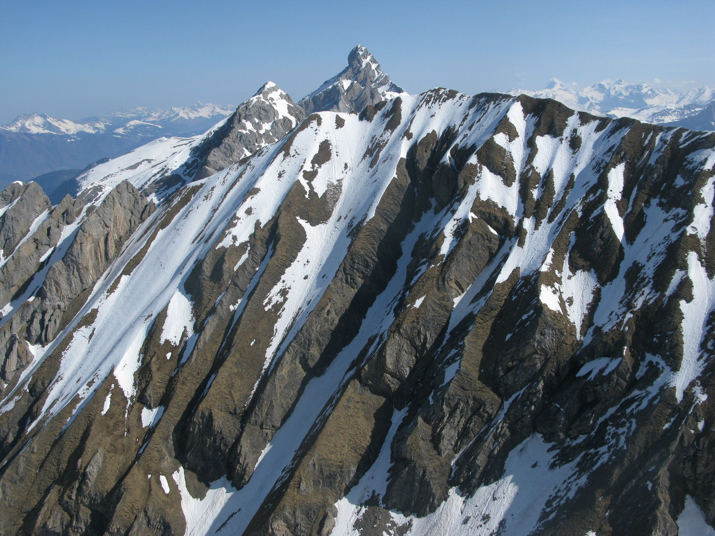 Mont Fleuri depuis Tardevant en avril 2009
