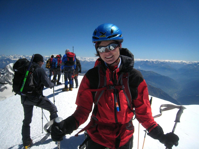 Anne au sommet des Alpes...
