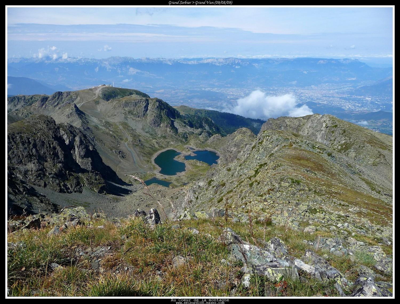 Lacs Robert et Chamrousse au loin