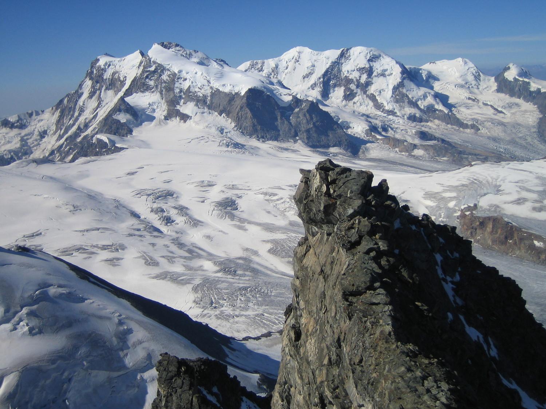 L'antécime et le massif du Mont Rose