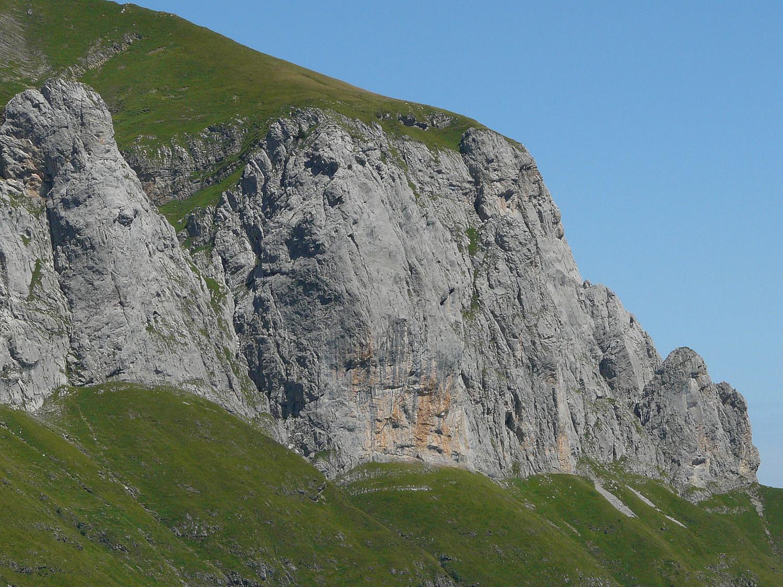 Les Tours d'Areu (à droite)