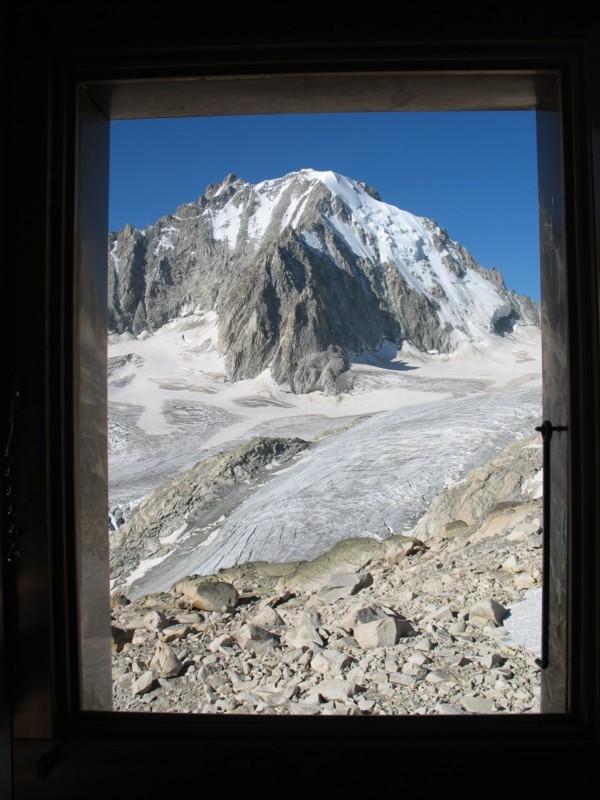 Fenêtre sur l'Aiguille d'Argentière