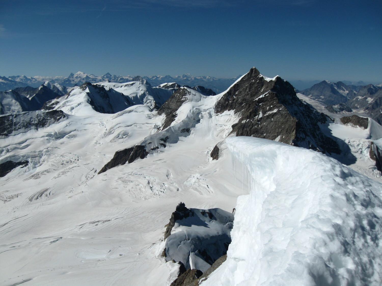 Corniche et Jungfrau en arrière plan
