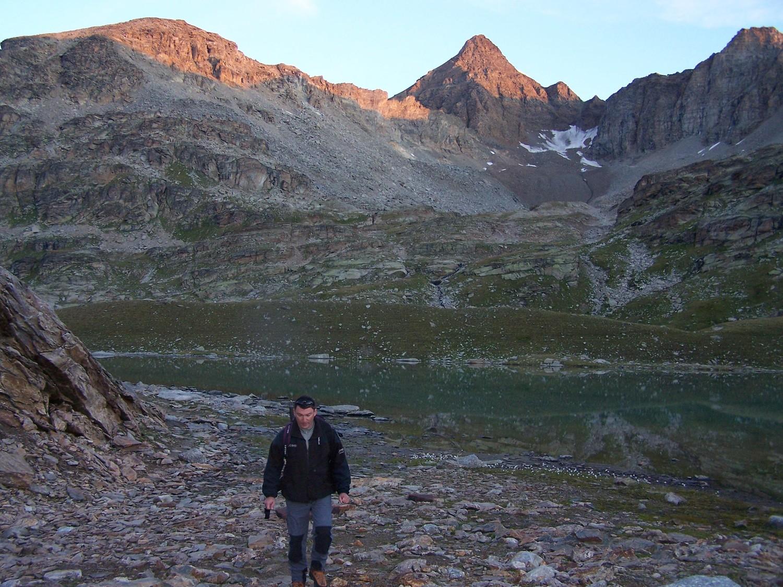 Levé du soleil sur la Gde Aig Rouuse et les lacs du Carro
