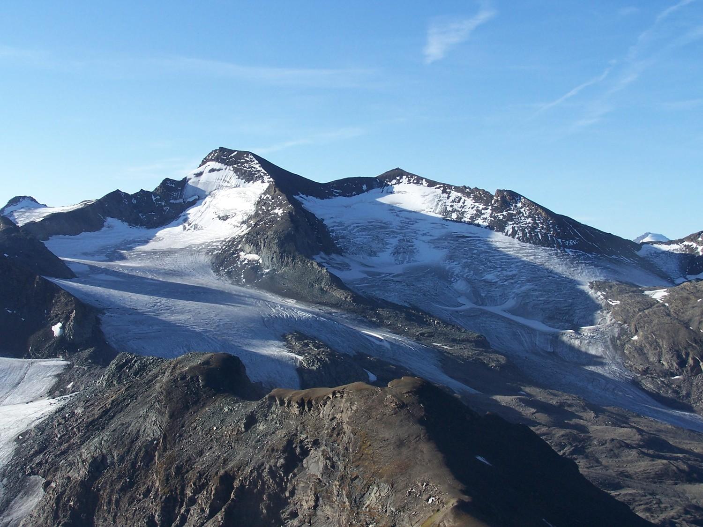 Gde aig.Rousse et les glaciers des sources de l'isère vus de l'arete S de la Galise