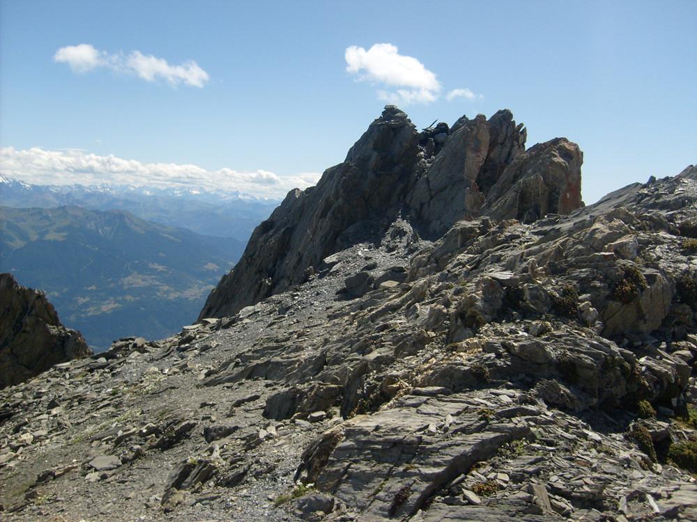 Le sommet, on y déboule par la droite de la photo