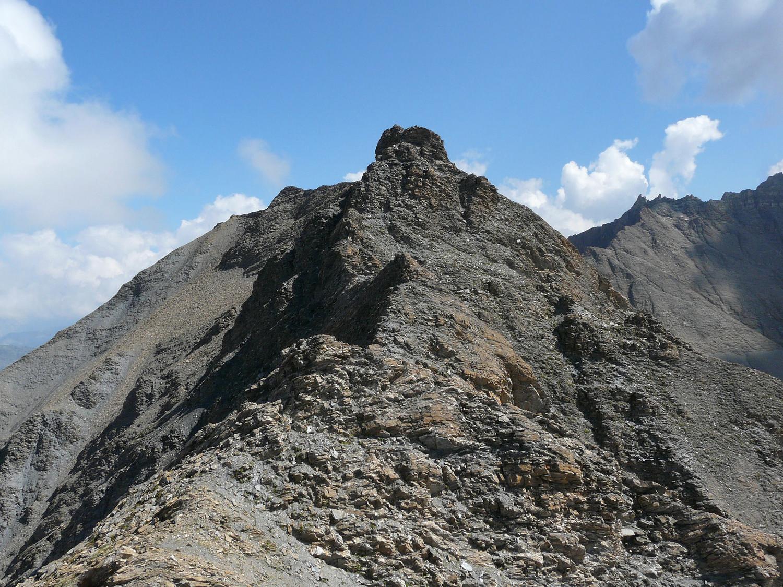 La suite de l'arête pour atteindre le sommet principal
