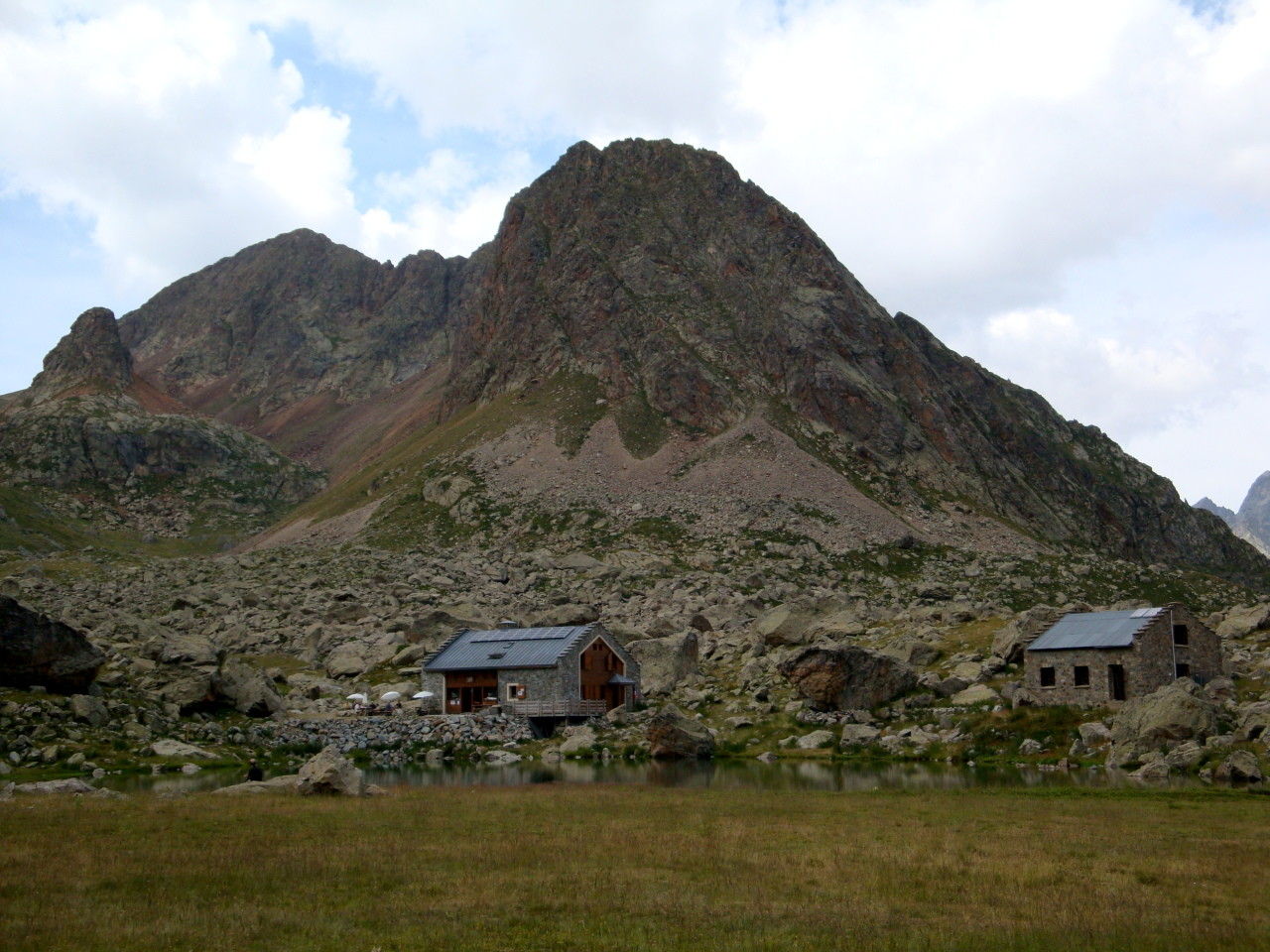 Vallonpierre hut