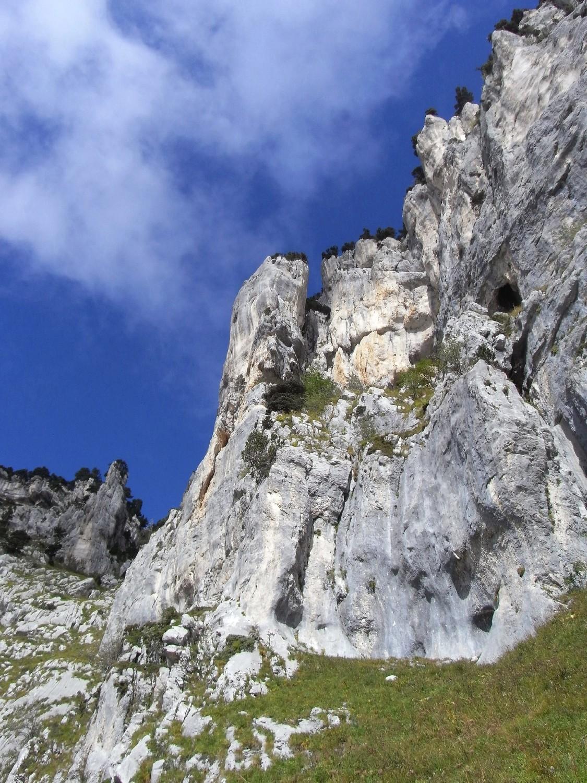 1er pilier à droite du Pas de la Rousse