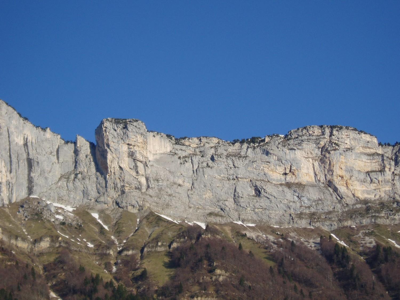 Rocher Pointu à droite du Rocher du Midi