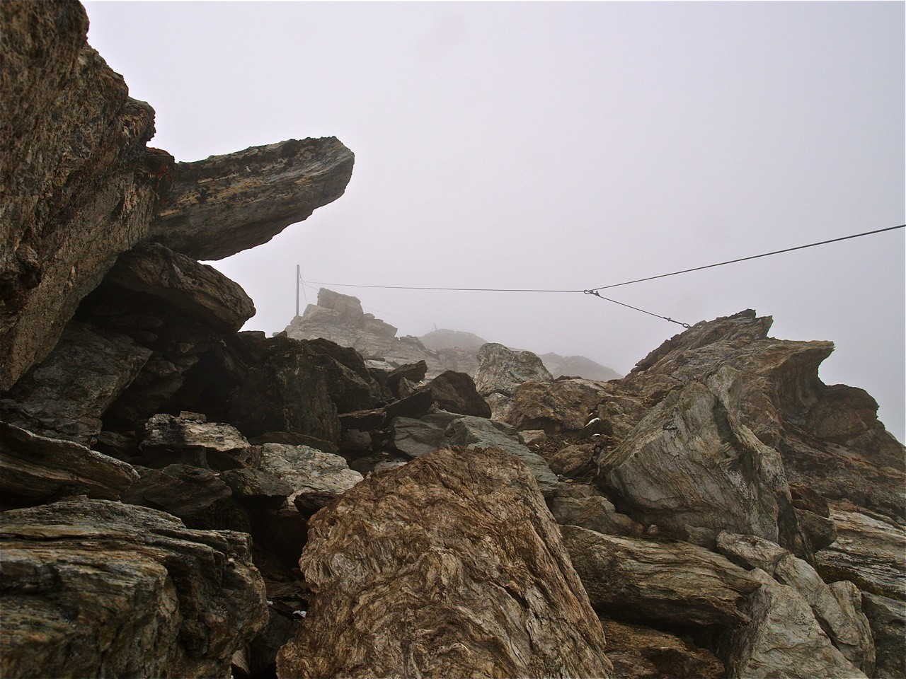 Le passage cablé, il semble un peu haut mais avec une bonne couche de neige doit être facile de l'attraper