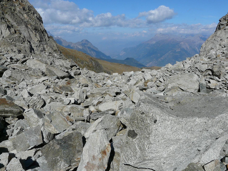 Pas de sentier mais des rochers