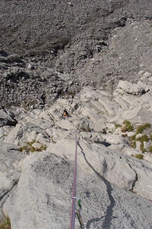 Eté Indien : François dans L1, bien raide, superbe rocher !