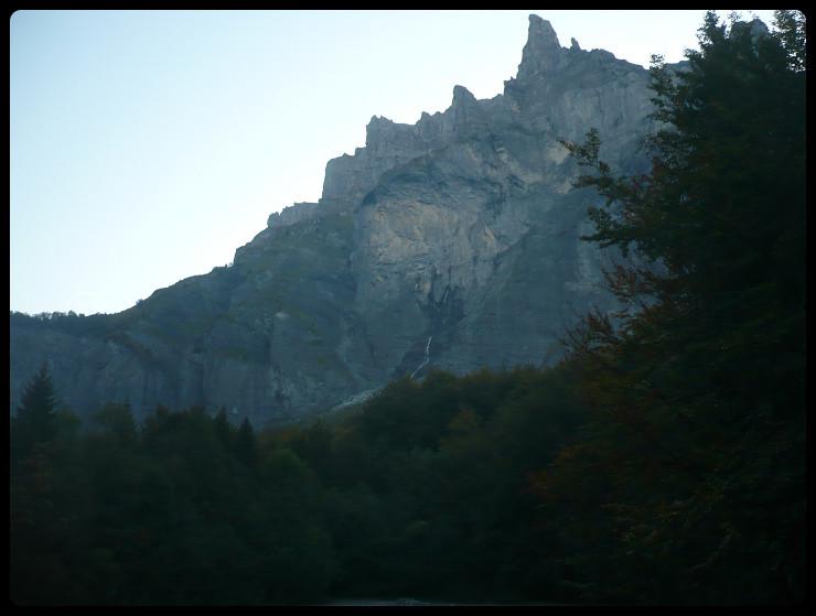 C'est là-dedans qu'on se balade pour accéder au vallon de Tenneverge!
