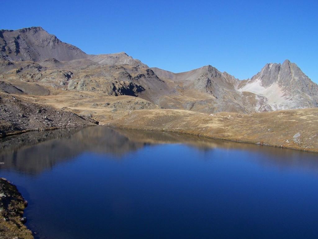 Les lacs au dessus du refuge du Thabor