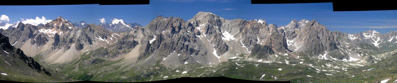 Panoramique face Est des Cerces, vu des Lacs de la Madeleine