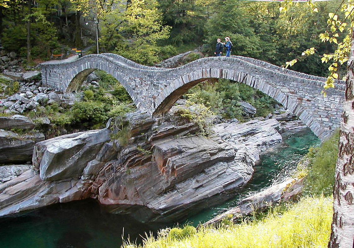 Pont piéton de Lavertezzo