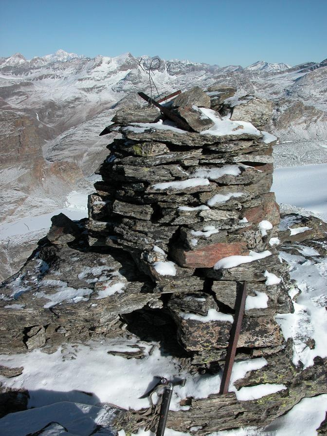 Le cairn du sommet de la Pointe de Bonneval 3320 m
