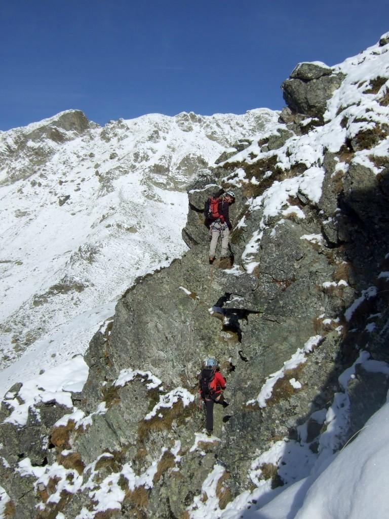 Entre rocher, neige et herbe dans la première partie