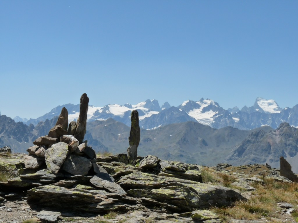 Glaciers de l'Oisans vus du lac du Serpent