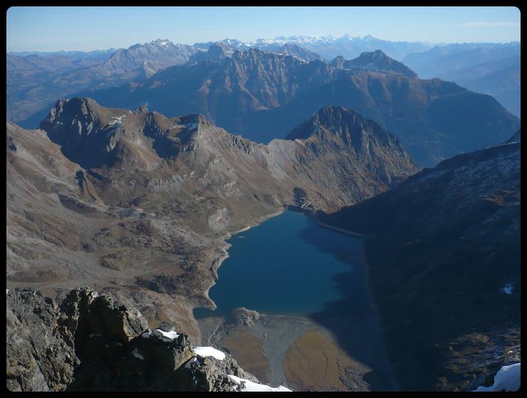 Au sommet, le lac de Salanfe...
