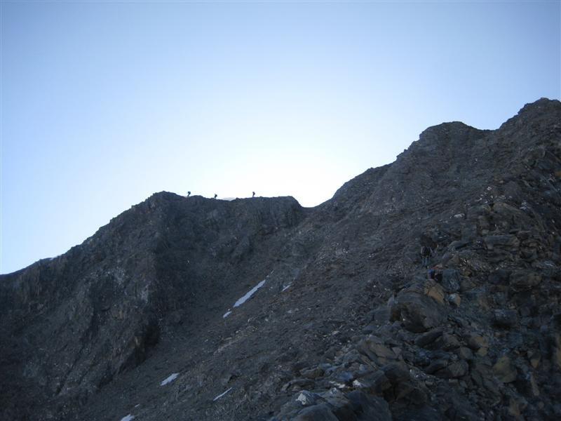 Entre le col et le sommet de la Dent Parracée - encore du chemin à parcourir ...