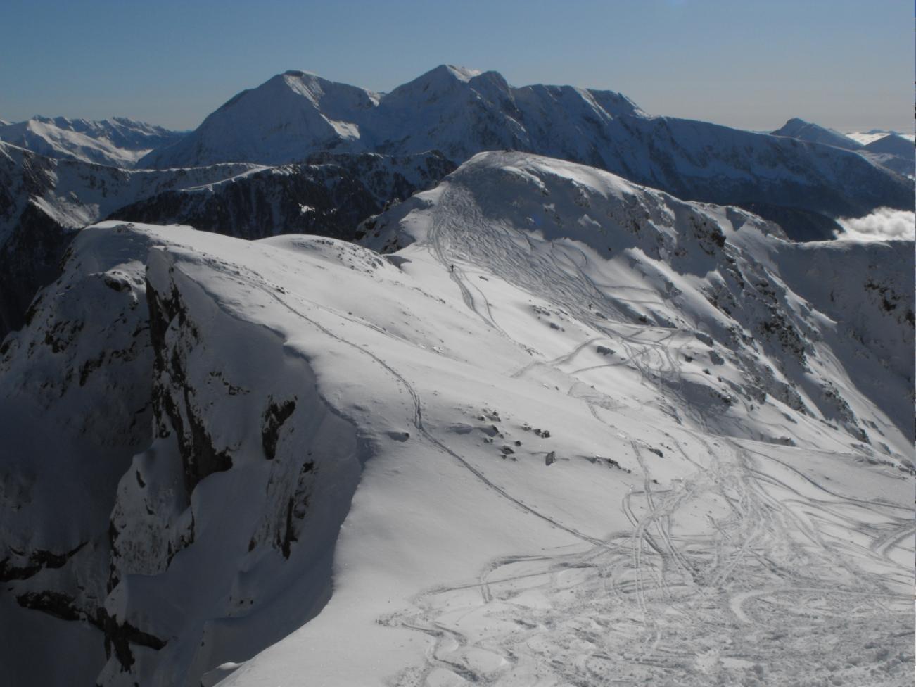 Vue du sommet : le Petit Van et le Taillefer derrière
