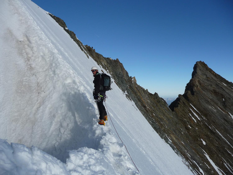 arrête de neige avant sommet du Lenzpitse