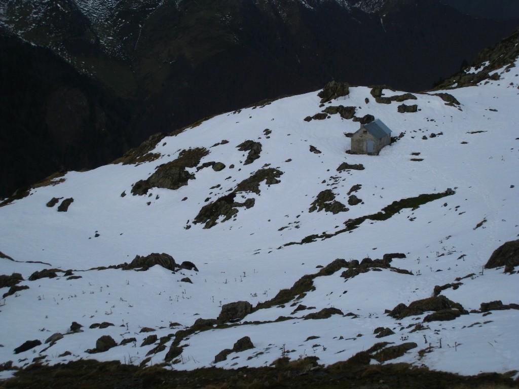 Vue sur la cabane du Taus, en direction du Tuc de la Messe