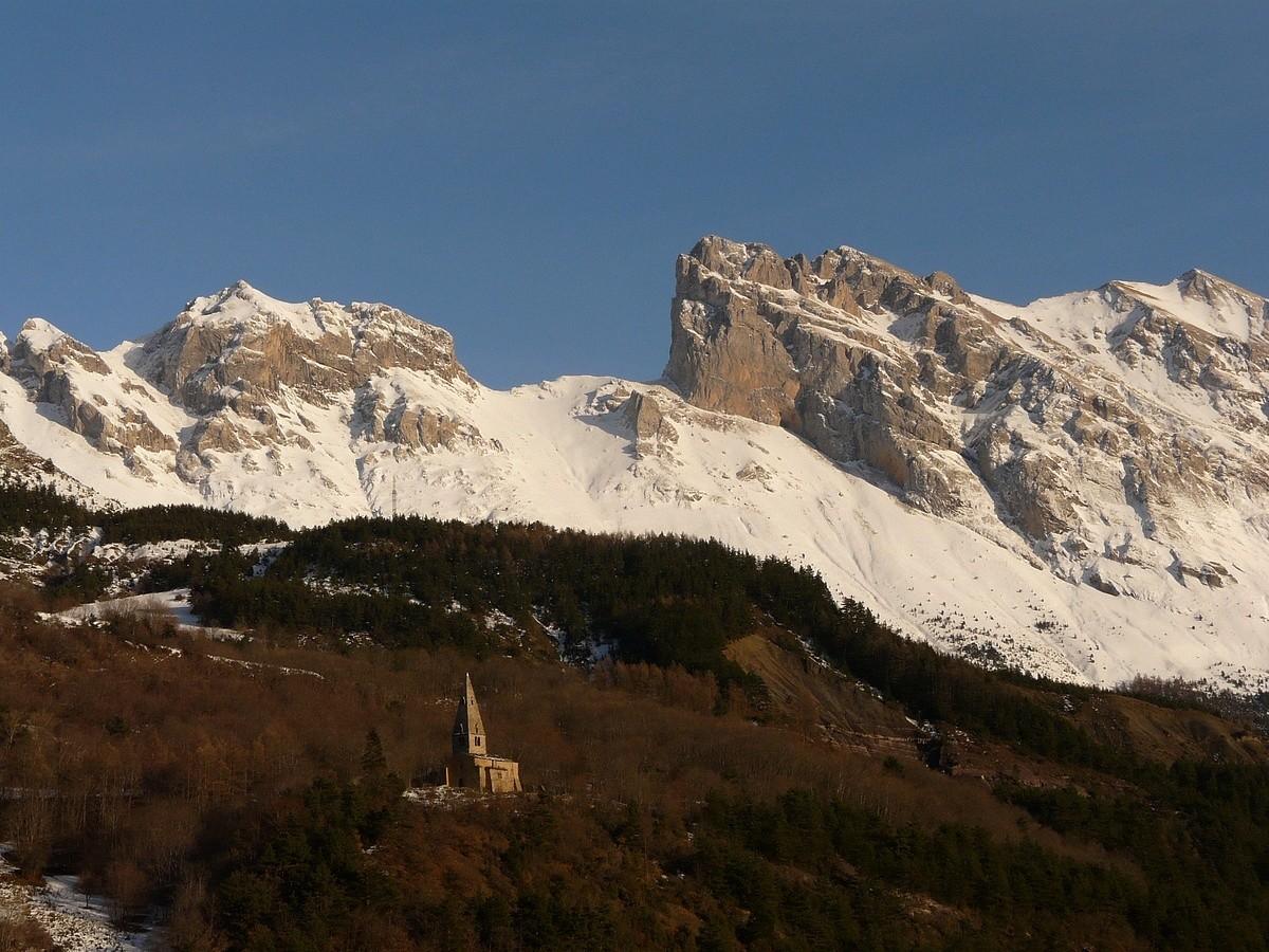 Church in front of Faraud mountain gap