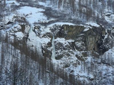 Les cascades de Clapouse telles quklzzwxh:0000on les voit pendant lklzzwxh:0001approche