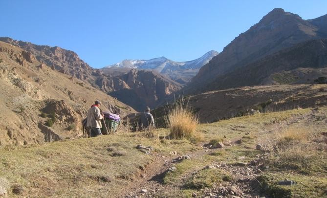 Youssef&Mohamed +la mule, en montant vers Ighil n-Ikkis
