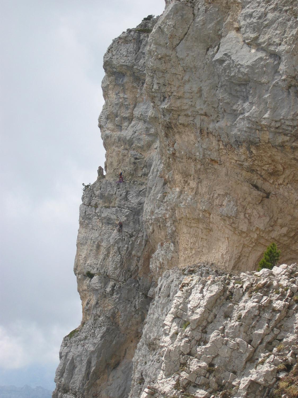 Une cordée dans L4 du Pilier gris