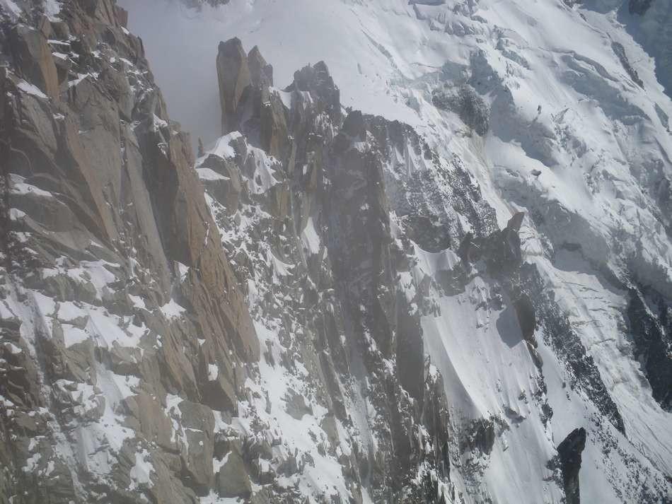 vue depuis le sommet, après l'ascension des raides pentes de neige en glace dur
