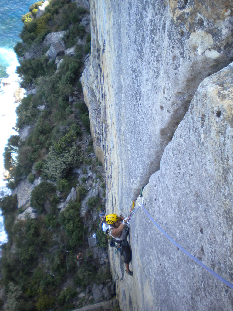 Windjammer Wall - Tenere (20 - 6b) sleepy crack (évasé) à mains pas facile !