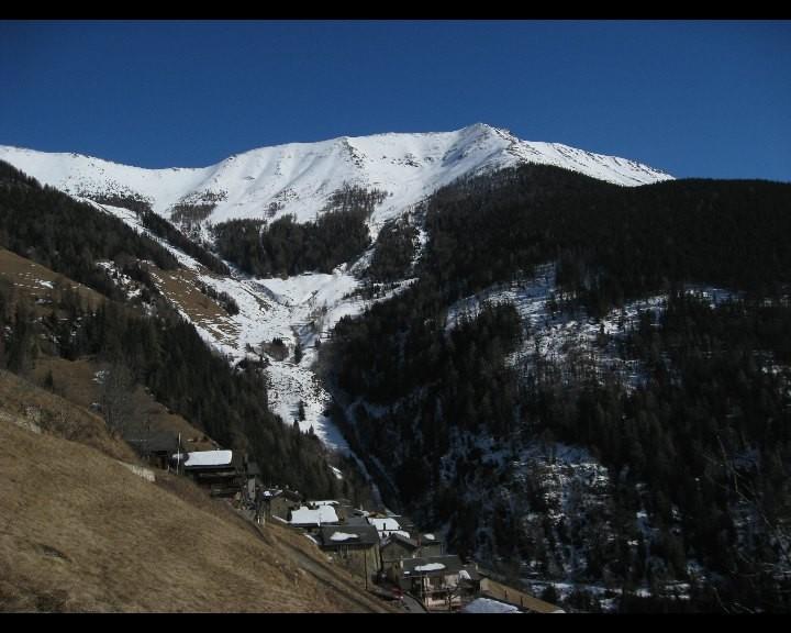 Village de Commeire et le Mont Brûlé