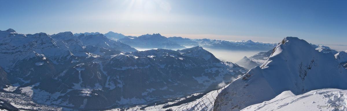 Vue panoramique depuis La Para sur le Mont-Blanc, les Dents du Midi, ...