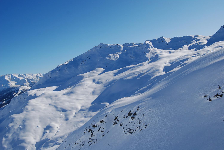 Il Dosso Resaccio 2719 m versante NE, risalendo alla Punta di Lago Nero.