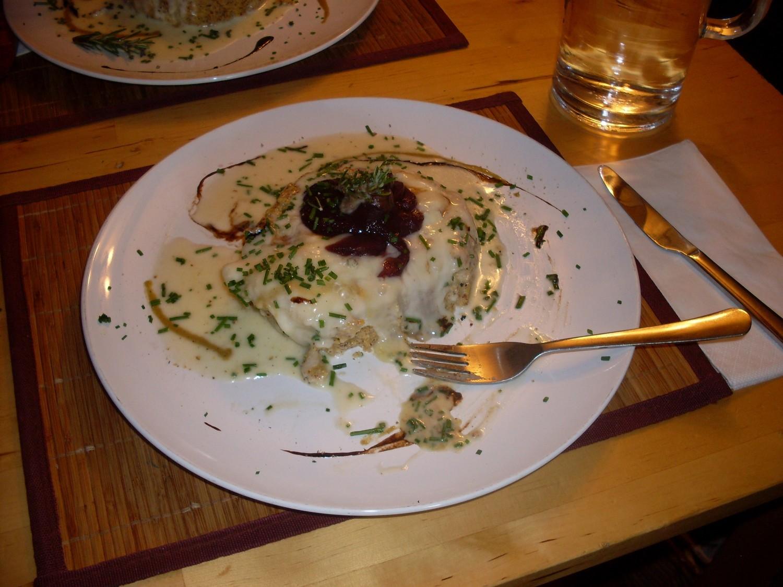polenta, gorgonzola e pera al vino