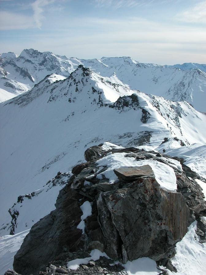 Du sommet la Cime Gardoria, plus loin la Rognosa d'Etache