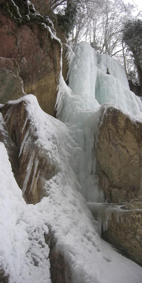 Ligne de gauche de la cascade de gauche de Sur Bayard