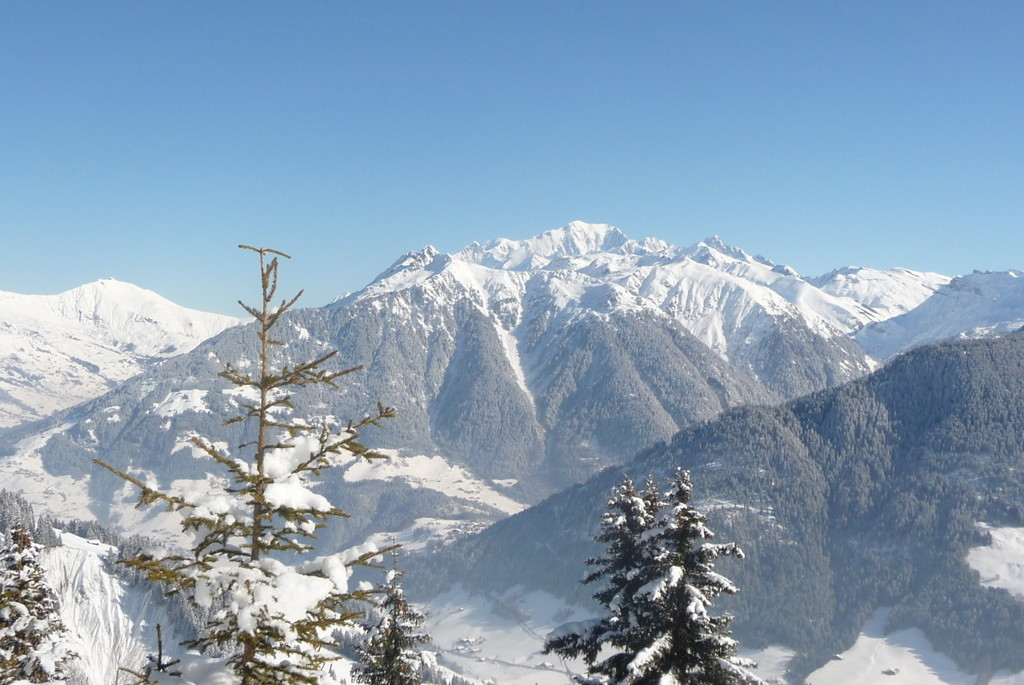 Paysage montagne d'Outray