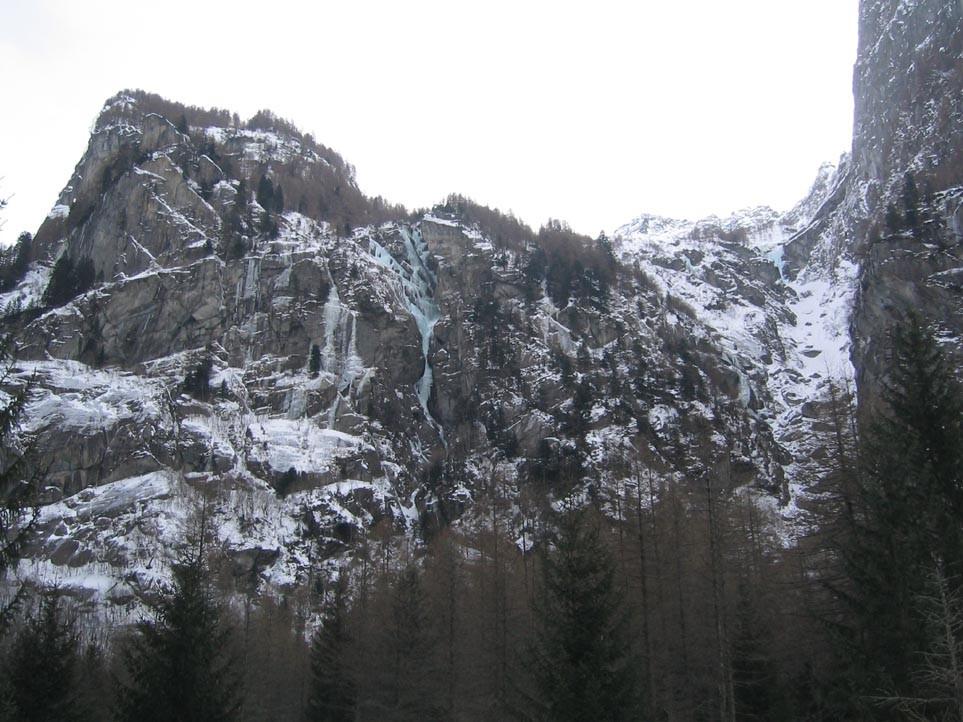 Val di mello - versant sud, au fond du vallon