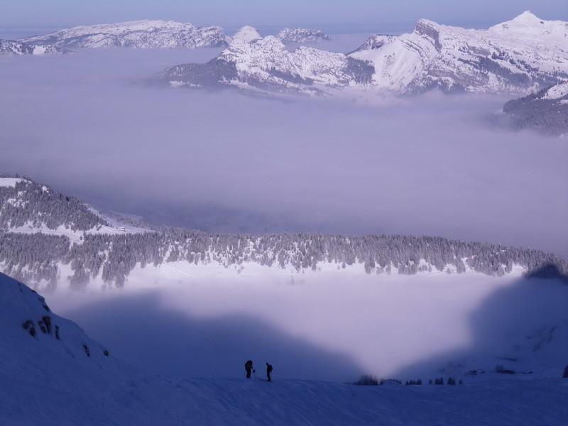 Repos à la  montée sur le mer de nuages au plateau des Confins
